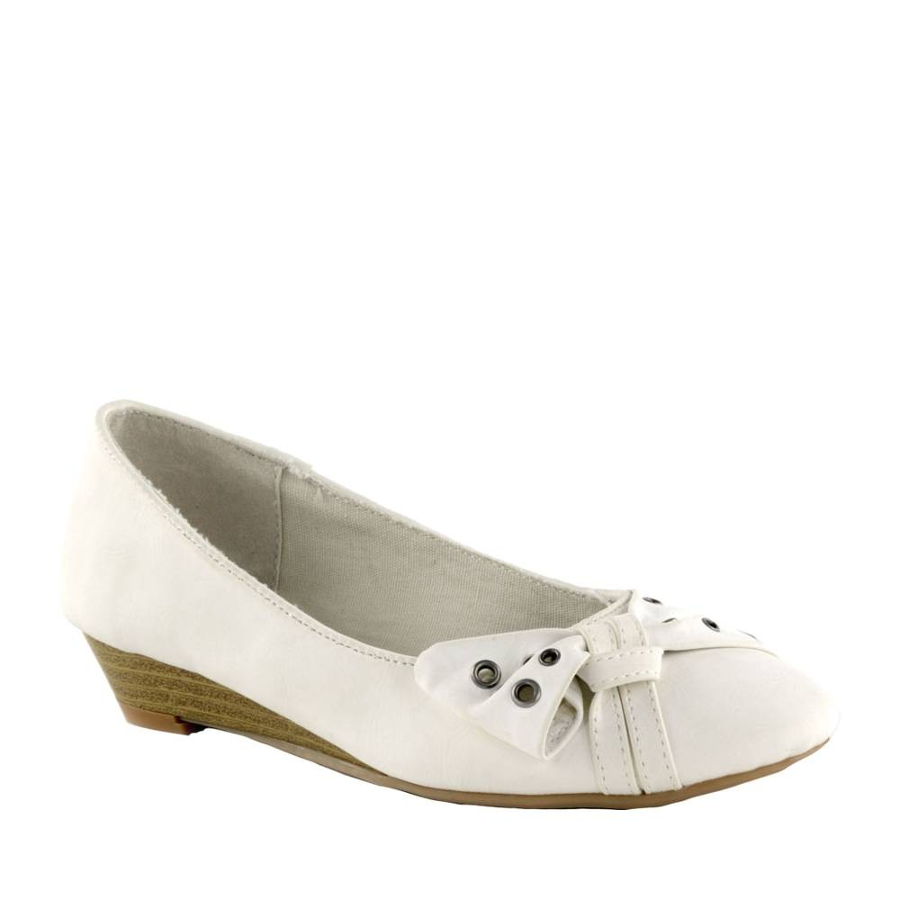 Chaussure-blanche-noeud