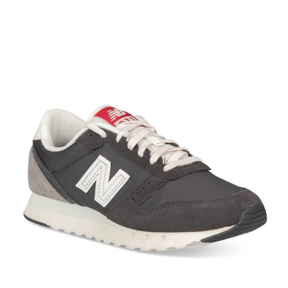 Baskets NOIR NEW BALANCE