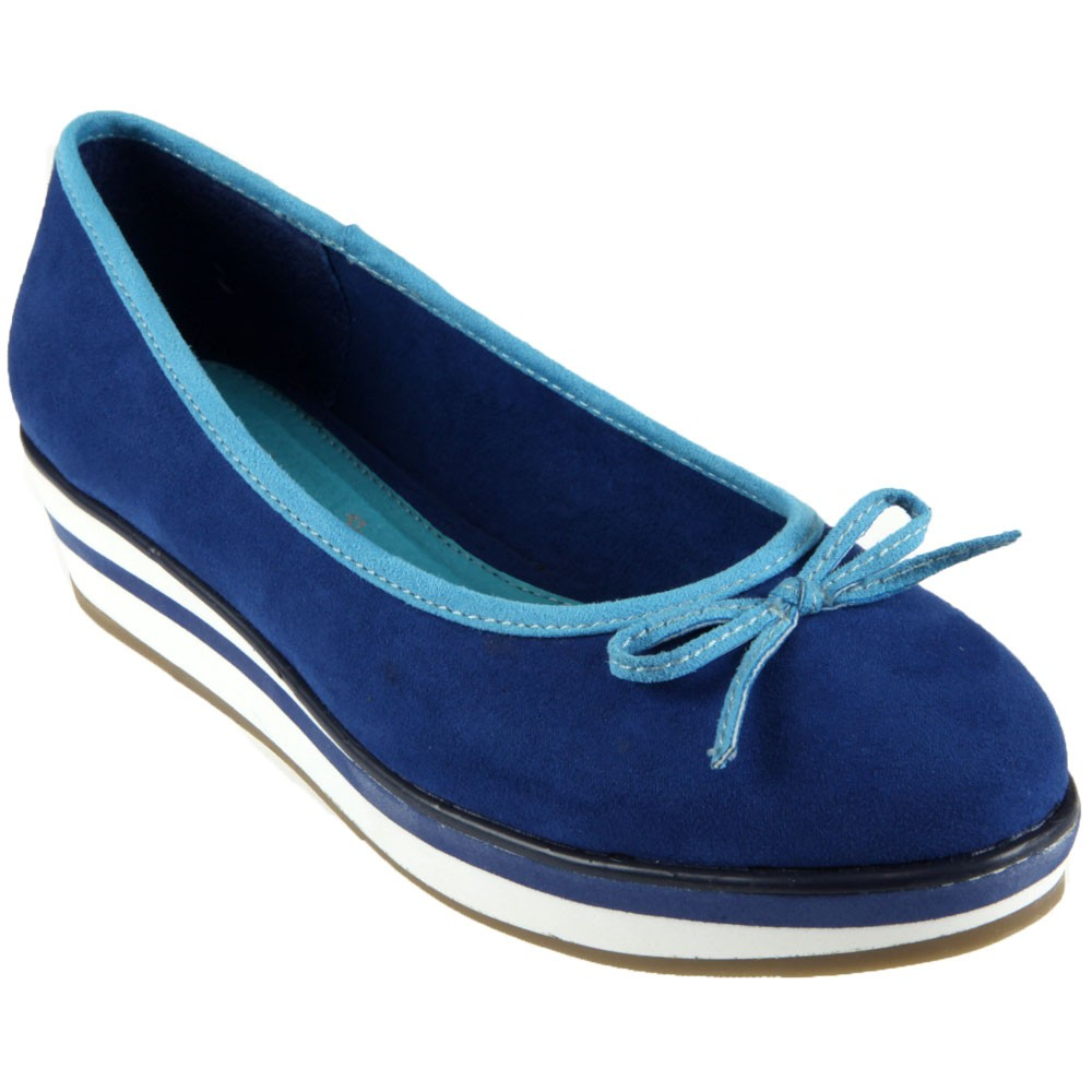 Chaussure-bleue-compensee